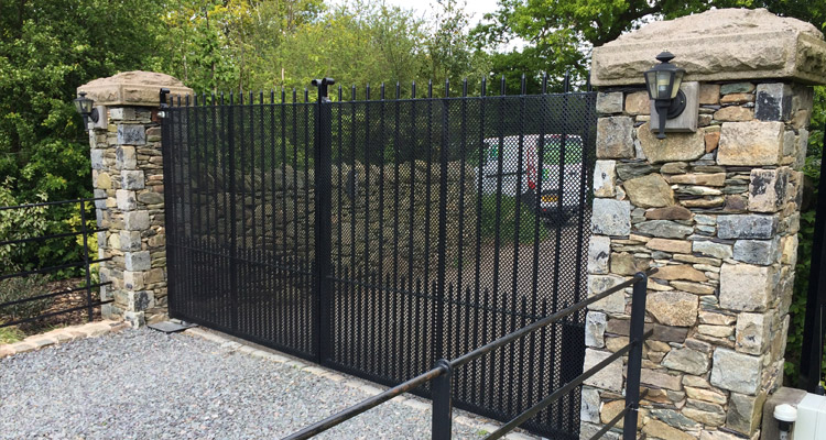 Gate with Automatic Function